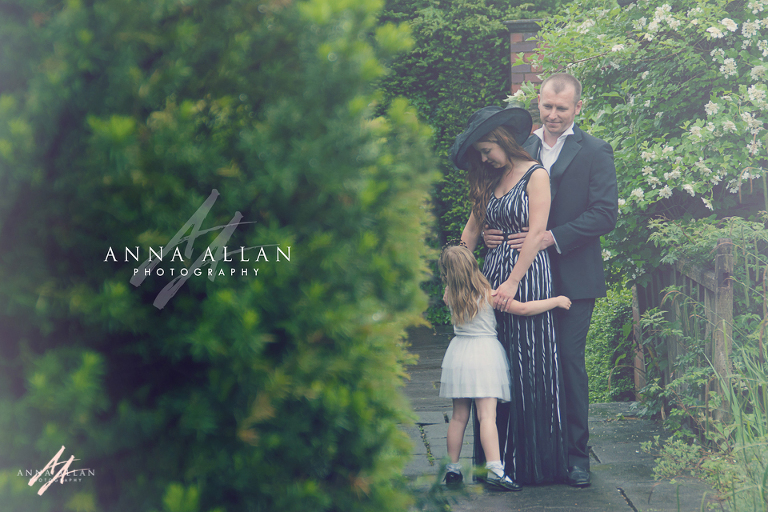 In the garden with Munchkins and Mohawks - Buckinghamshire family photographer meets top US photographer