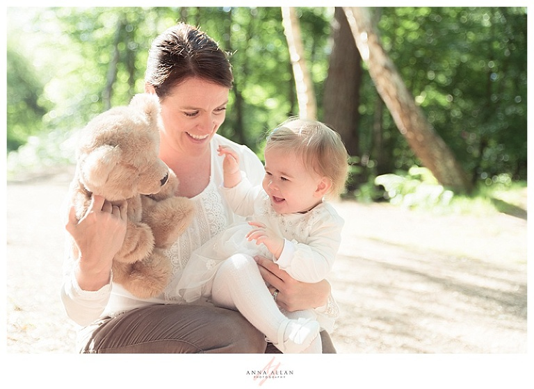 one-year-old-first-birthday-photo-shoot-uxbridge-middlesex-buckinghamshire