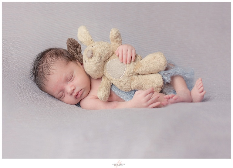 Newborn baby photographer Uxbridge